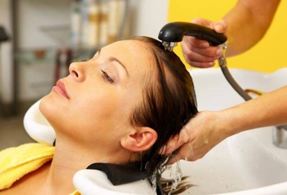 Lavando os cabelos corretamente e perceba a diferença