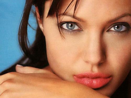 angelina_jolie-lips