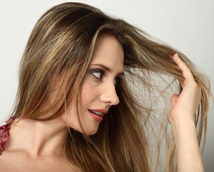 mulher-queda-de-cabelo-feminino