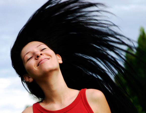 cabelos hidratados no verão