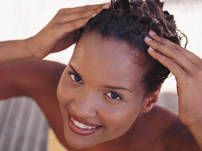 Esfoliação para o couro cabeludo com café