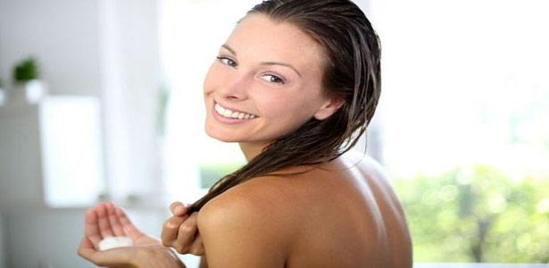metodo-para-hidratar-os-cabelos-em-casa
