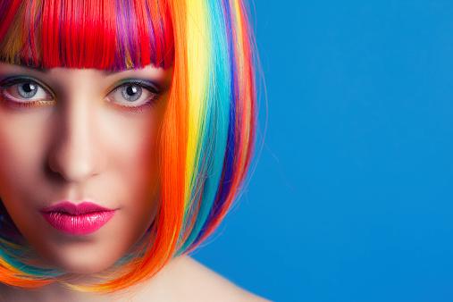 Efeito arco-íris: cabelos supercoloridos